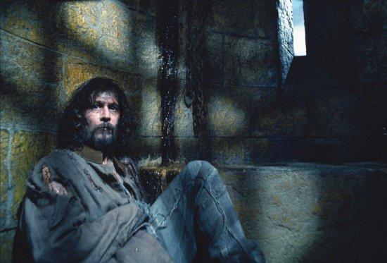 Sirius Black (Gary Oldman) dans sa cellule à la prison des sorciers Azkaban - Harry Potter et le prisionnier d'Azkaban