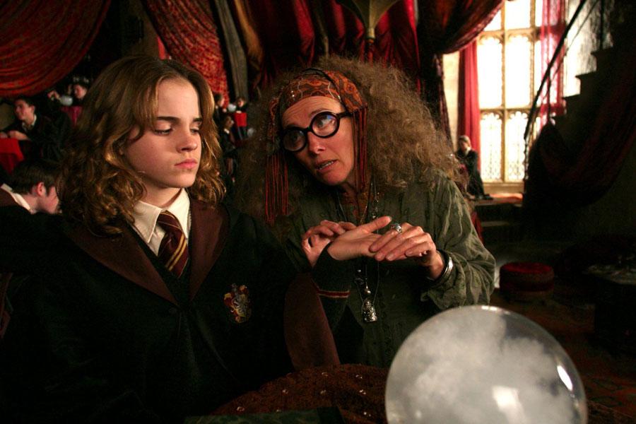 Hermione et Sybille Trelawney