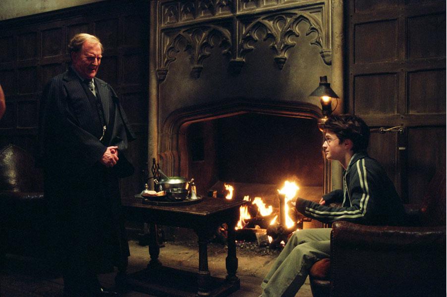 Fudge et Potter au Chaudron Baveur