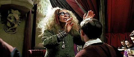 Professeur Sybille Trelawney