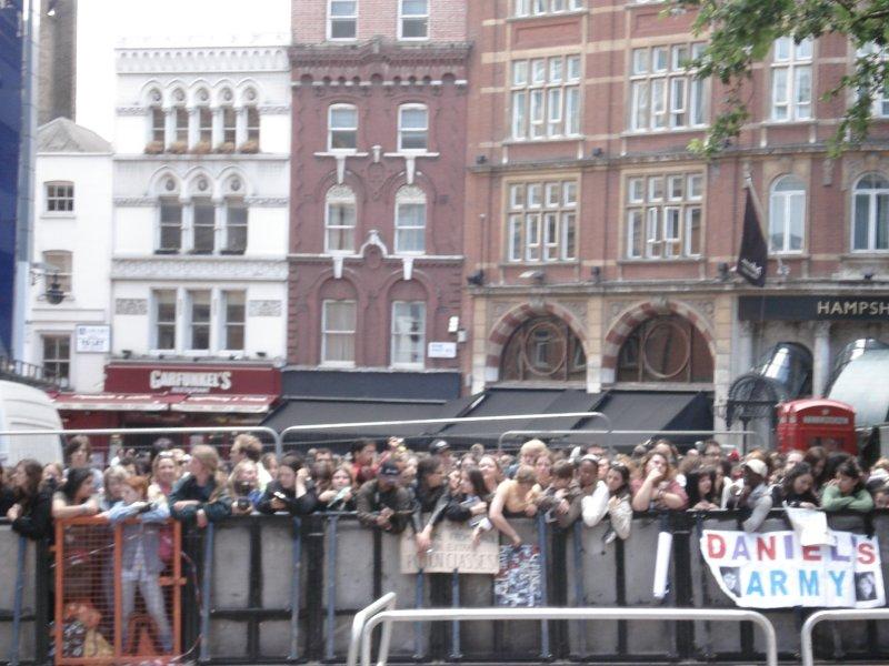 Foule pour l'avant-prmeière d'HArry Potter 5 à Londres