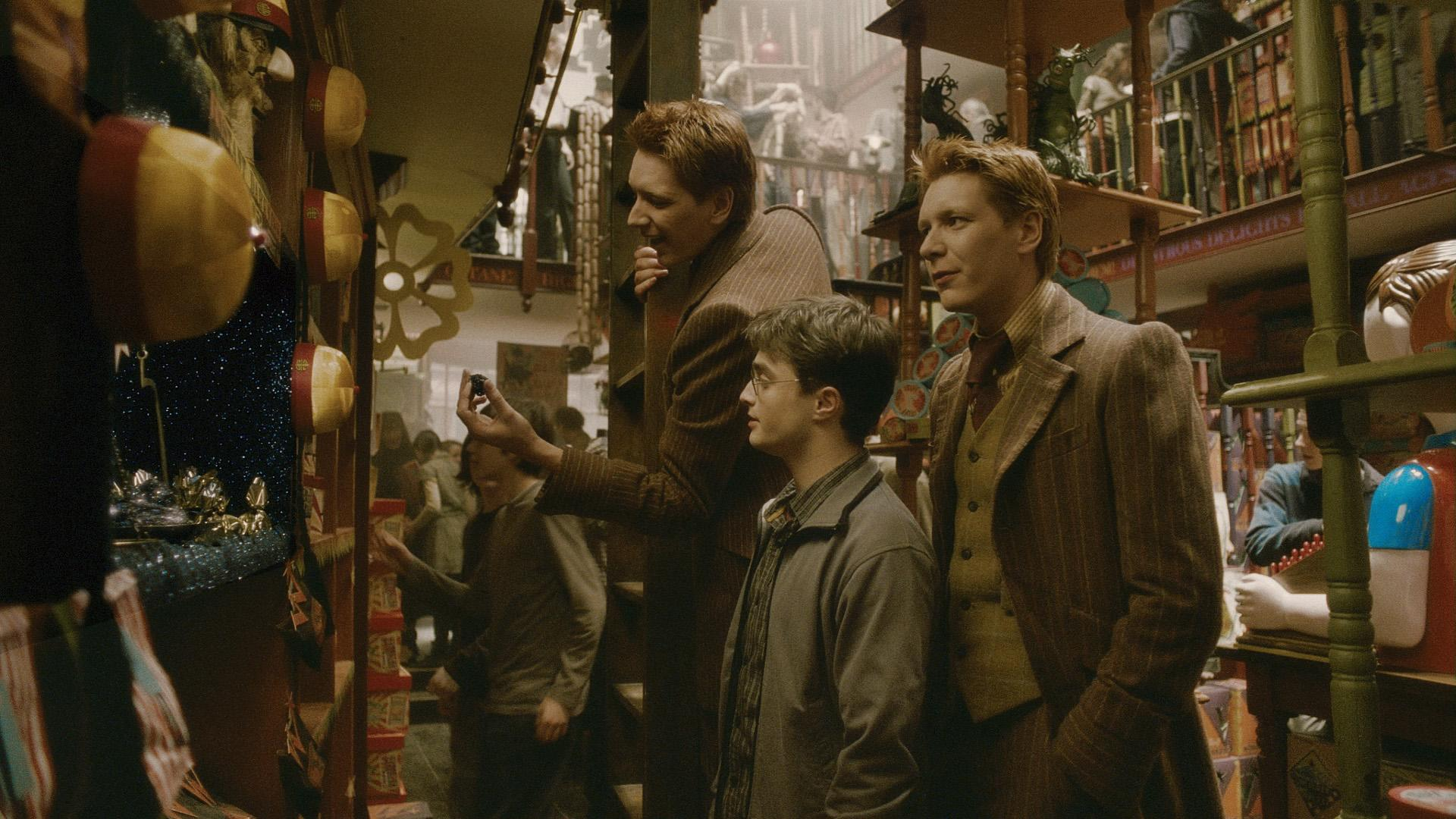 hp6-boutique-weasley06.jpg