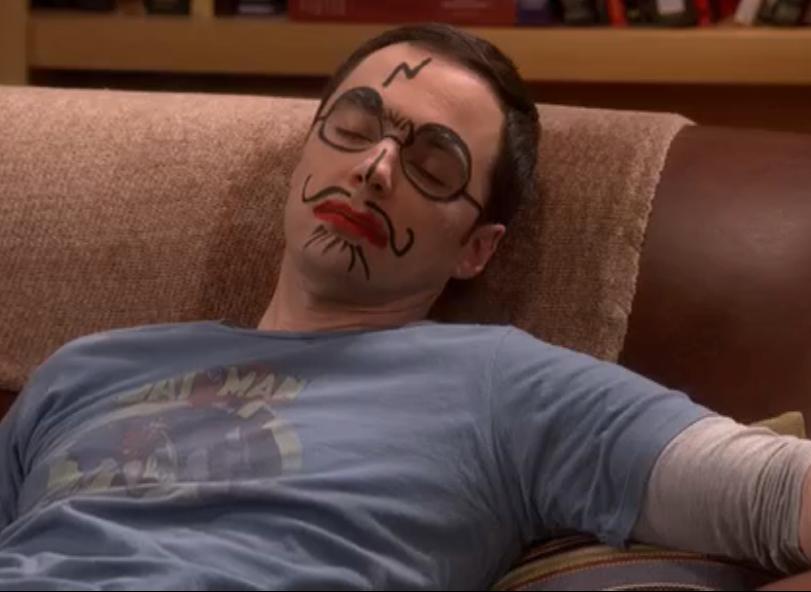 Maquillage de Sheldon en référence à Harry Potter dans la série The Big Bang Theory