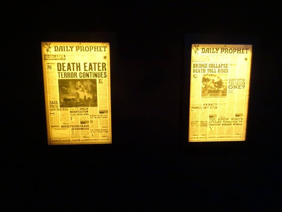Les Gazettes du Sorcier lors de l'inauguration de L'exposition itinérante Harry Potter à Paris