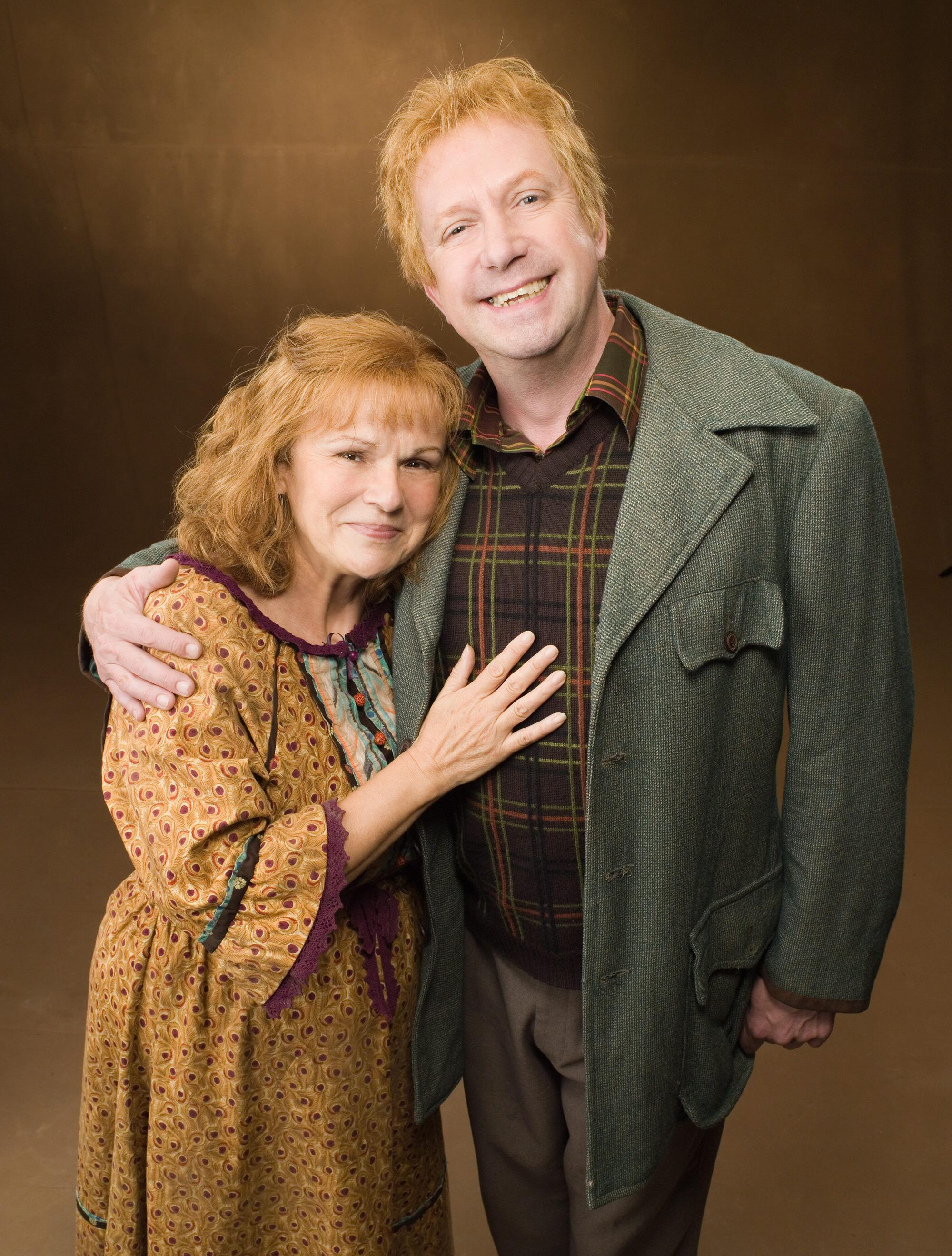 Molly_and_Arthur_Weasley__Promo_stills_from_Order_of_the_Phoenix_movie_.jpg