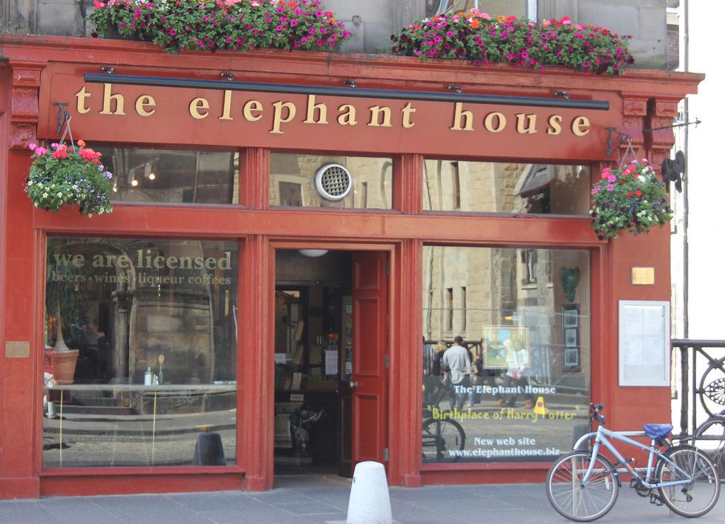 La devanture du Elephant House Café - Edimbourg - qui se présente comme le lieu de naissance de Harry Potter