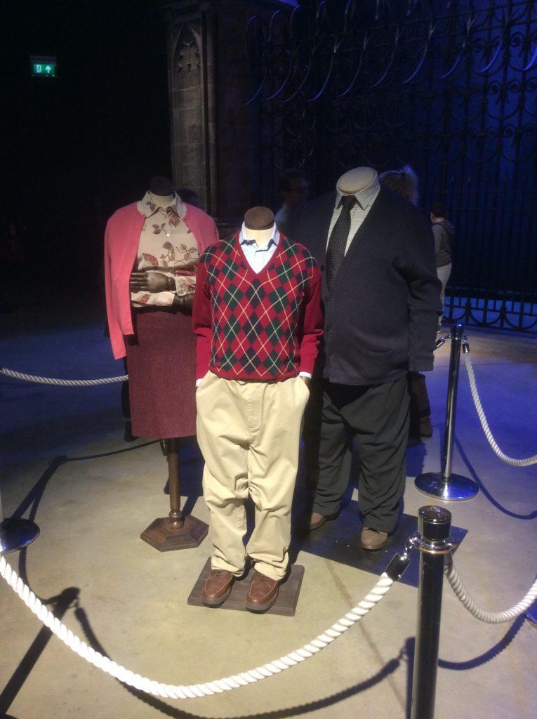 Costumes des Dursley exposé en exclusivité lors de l'événement au Warner Bros. Studio Tour London : The Making Of Harry Potter