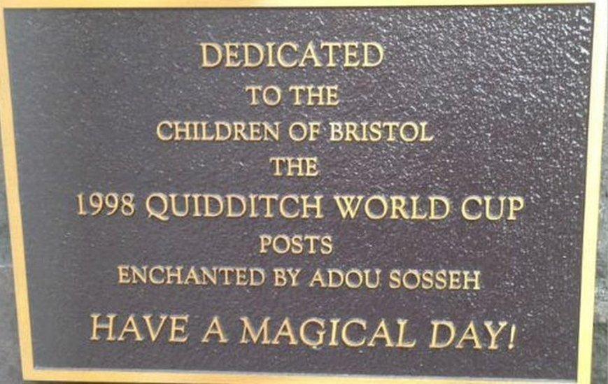 La mystérieuse plaque commémorative Harry Potter de l'hôpital pour enfants de Bristol