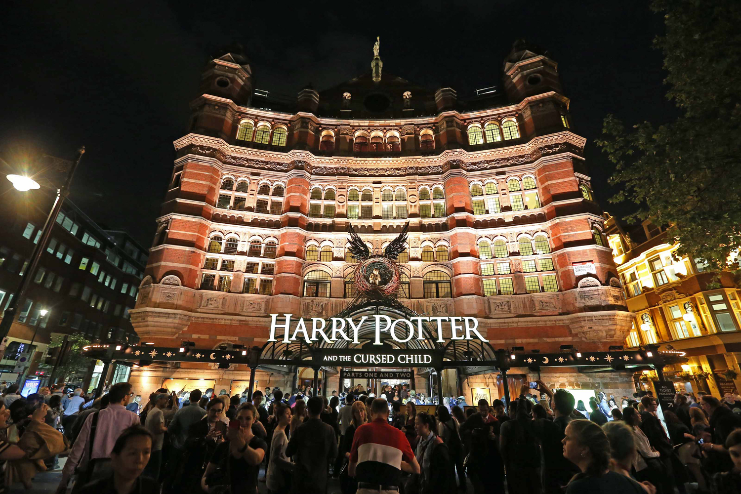 Harry Potter & the Cursed Child augmente ses prix grâce aux tickets Premium