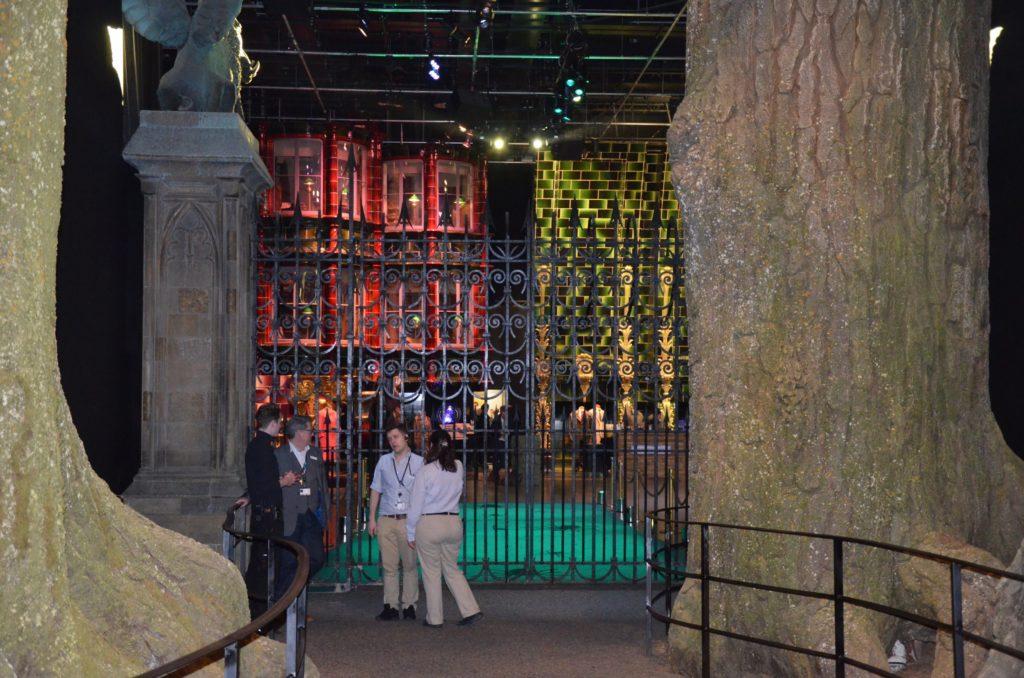 Vue depuis la Forêt interdite vers le Ministère de la magie au WB Tour London