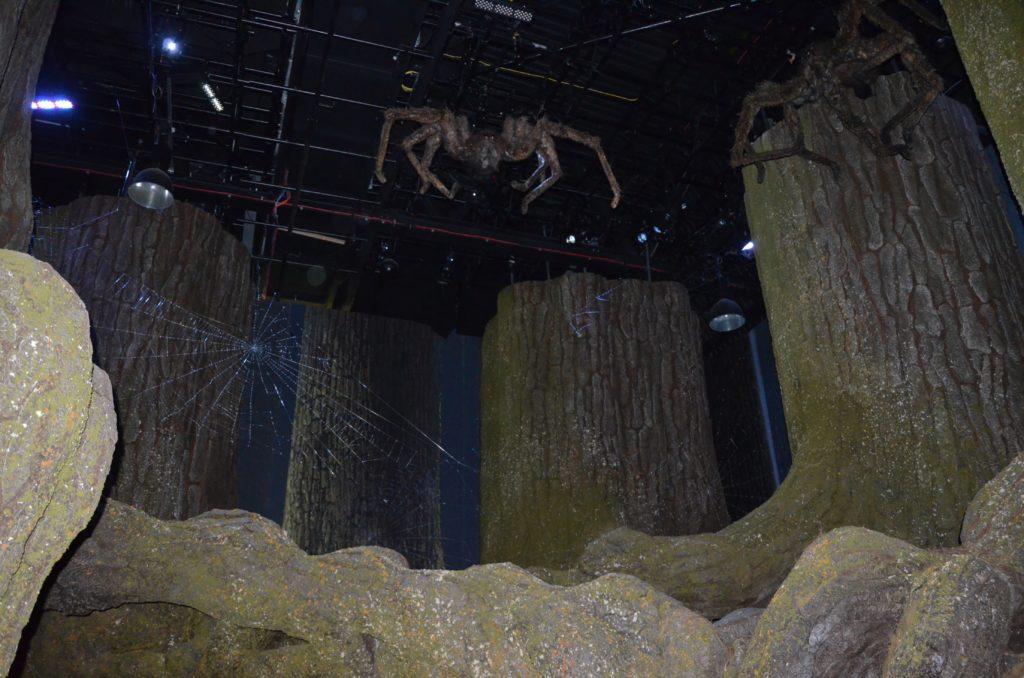 Ariagnée descendant du plafond dans la Forêt interdite au WB Tour London