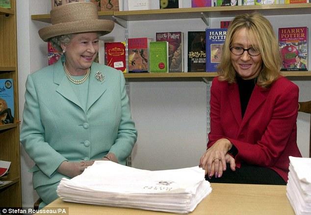 J.K. Rowling reçoit une récompense réservée à 65 personnes vivantes !