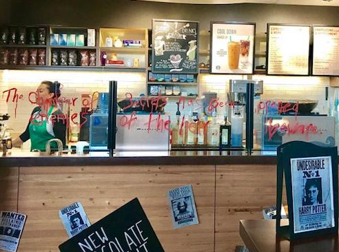 San Diego : un Starbucks Harry Potter le temps de la Comic Con