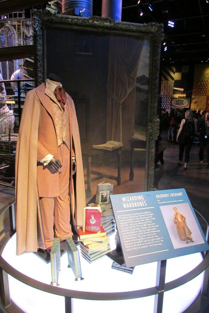 Costume de Gilderoy Lockhart exposé au Warner BRos Studio Tour London: The Making Of Harry Potter