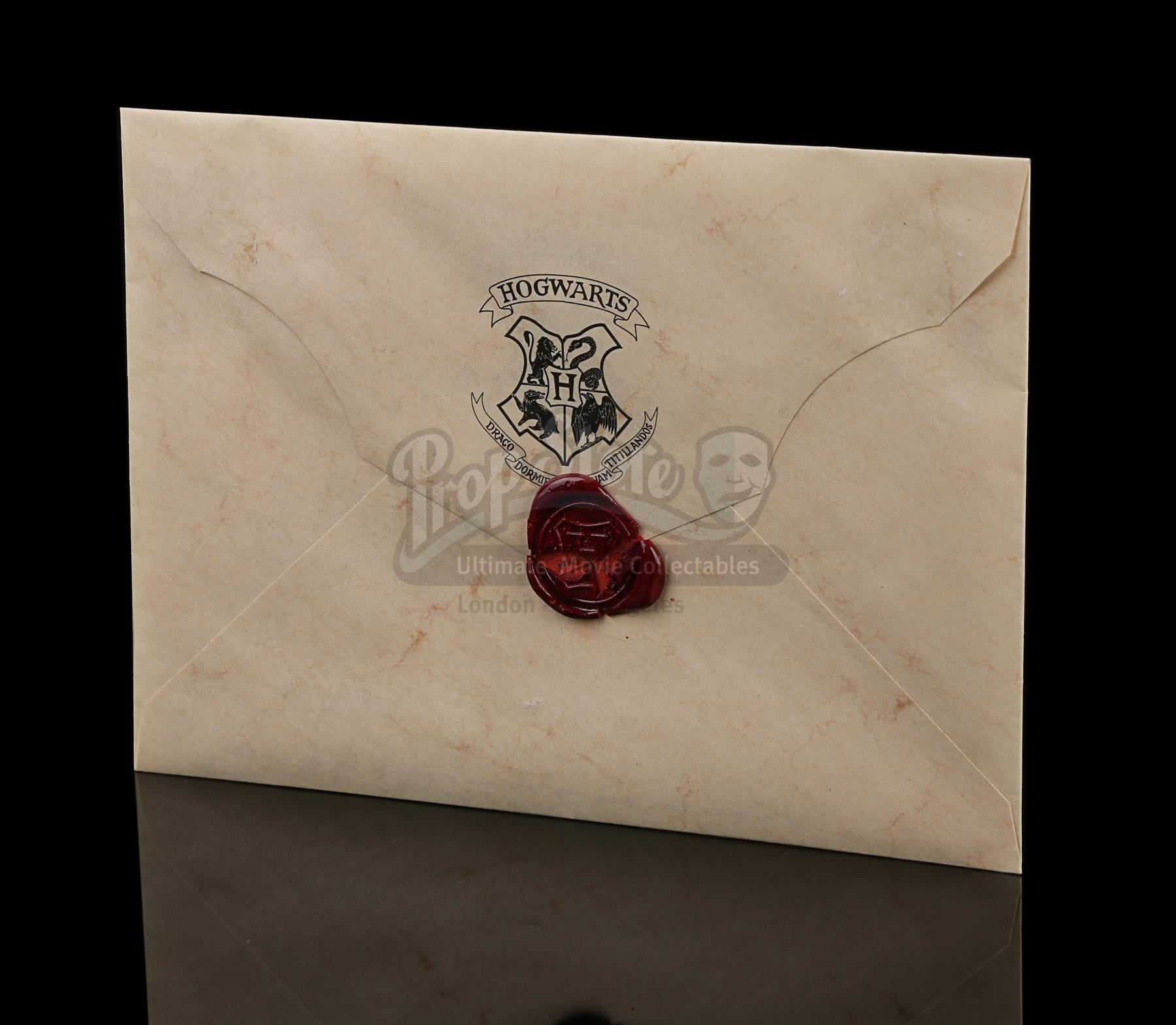 Des lettres accessoires de Harry Potter aux enchères