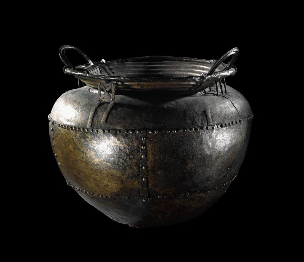 Chaudron vieux de deux mille ans à l'exposition Harry Potter de la British Library