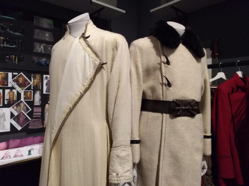 Le costume du bal de Noël de Karkaroff exposés pour Hogwarts in the snow au Warner Bros. Studio Tour London: The Making of Harry Potter