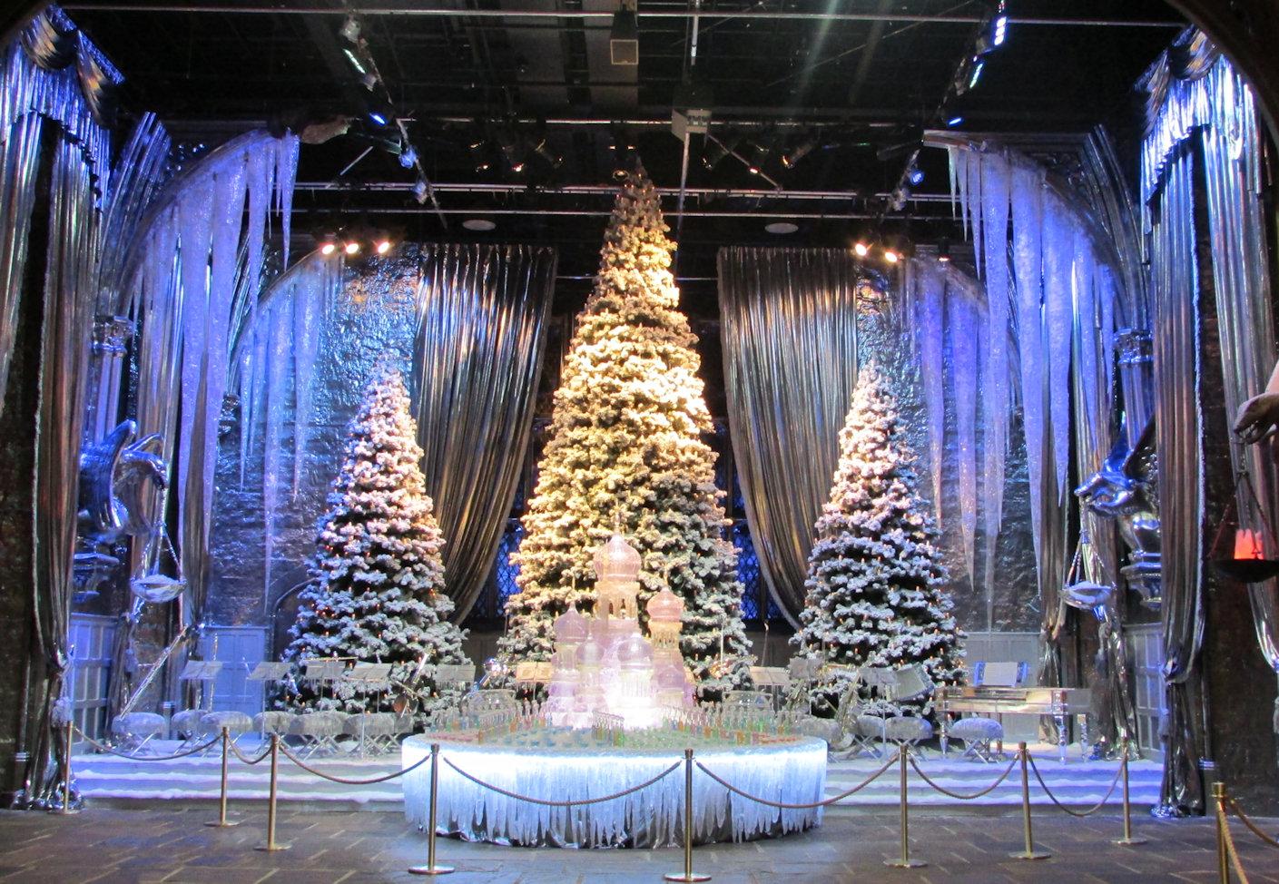 """Retour de """"Poudlard sous la neige"""" et des dîners dans la Grande Salle pour Noël au Studio Tour !"""