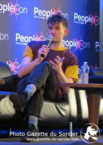 Harry Melling (Dudley Dursley) répond aux questions du public lors de la People Con 2018