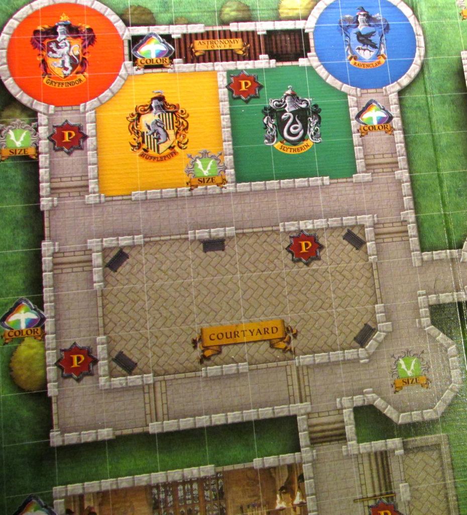 Détail du plateau du jeu HArry Potter: Magical Beasts : intérieur de Poudlard