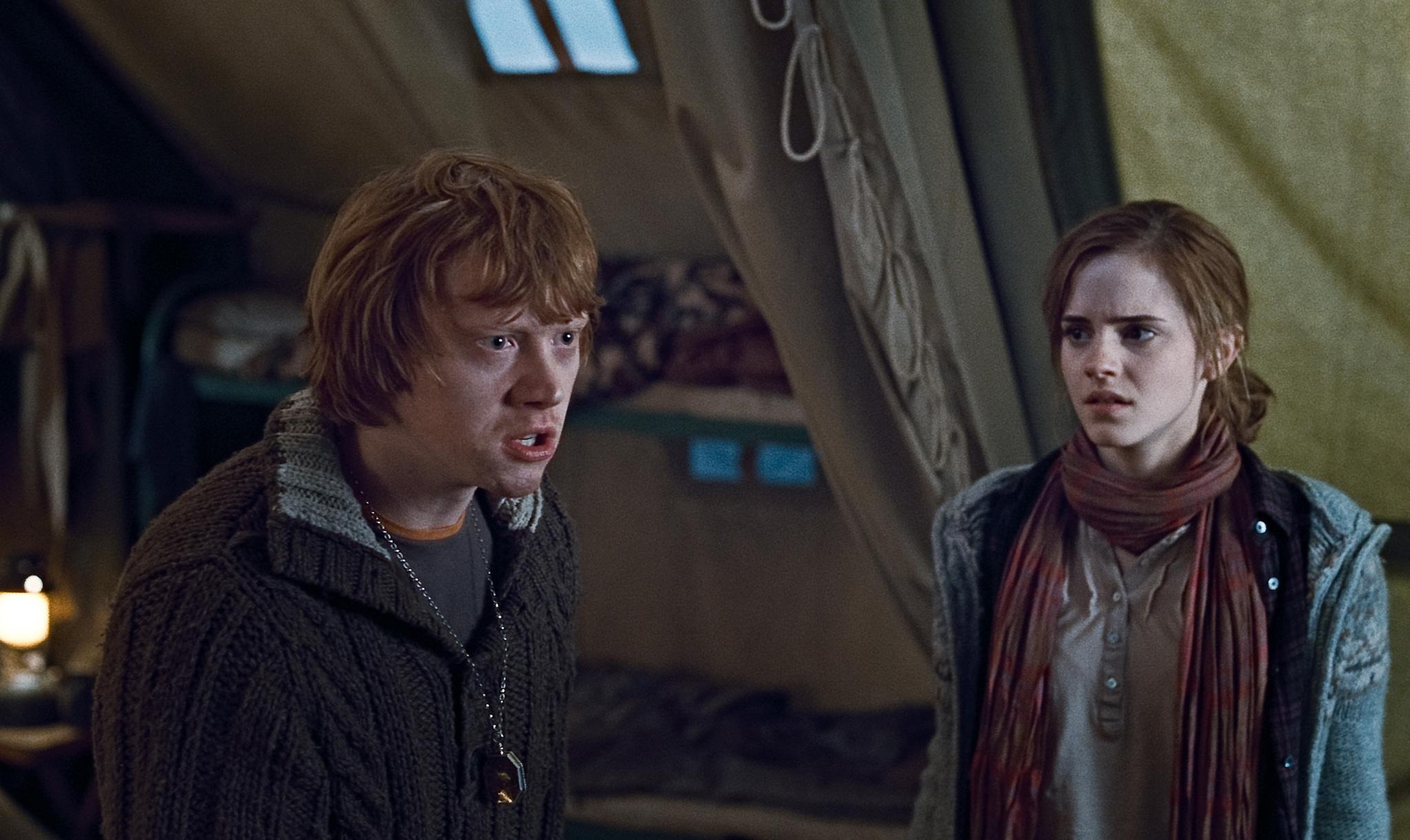Ron Weasley se dispute avec Harry dans Harry Potter et les reliques de la mort, sous l'effet du horcrux
