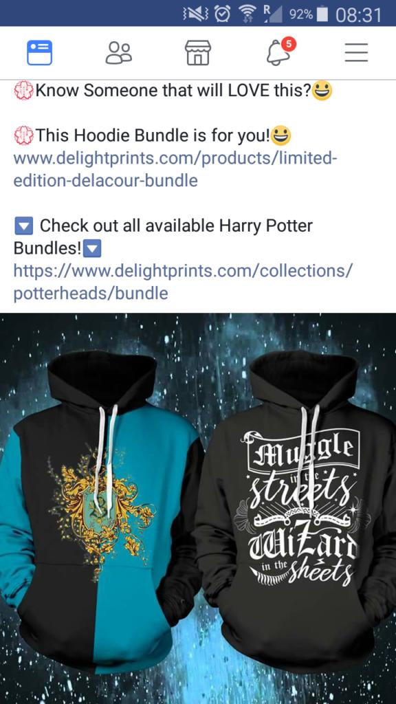 Pull HArry Potter et Wizarding World reprenant le design de Beauxbâtons réalisé par Minalima sur une page de contrefaçons
