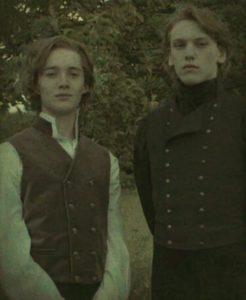 Photo de Dumbledore et Grindelwald lors de leur relation à Godric's hollow film7