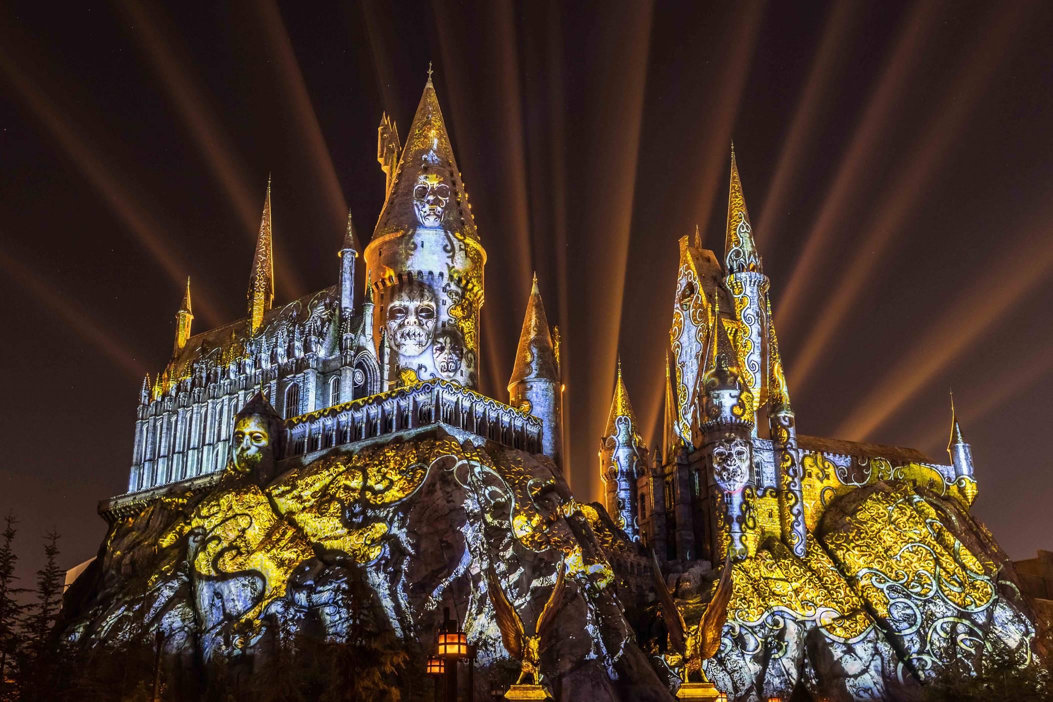 Le nouveau spectacle sons et lumières Harry Potter 'Magie Noire' arrive à Orlando !