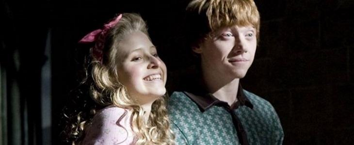 Lavande Brown est la première petite-amie de Ron.