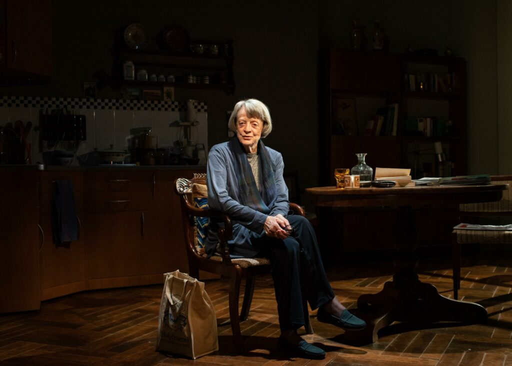 maggiesmith_agermanlife_onstage2.jpg