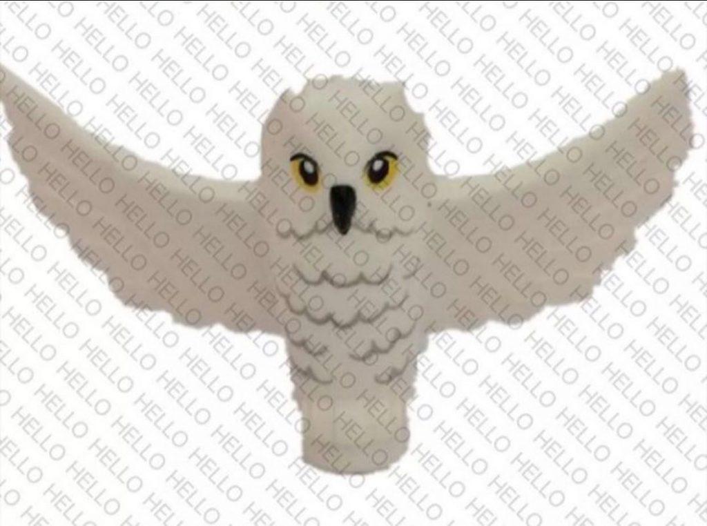 LEGO 2020 Hedwige les ailes écartées, prête à s'envoler.