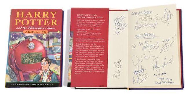 Le supposé premier autographe de Daniel Radcliffe aux enchères