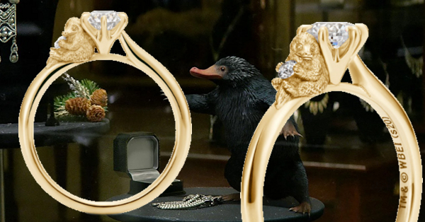 Deux aperçus de la bague Niffleur de U-Tearing, inspirée des films Les Animaux Fantastiques