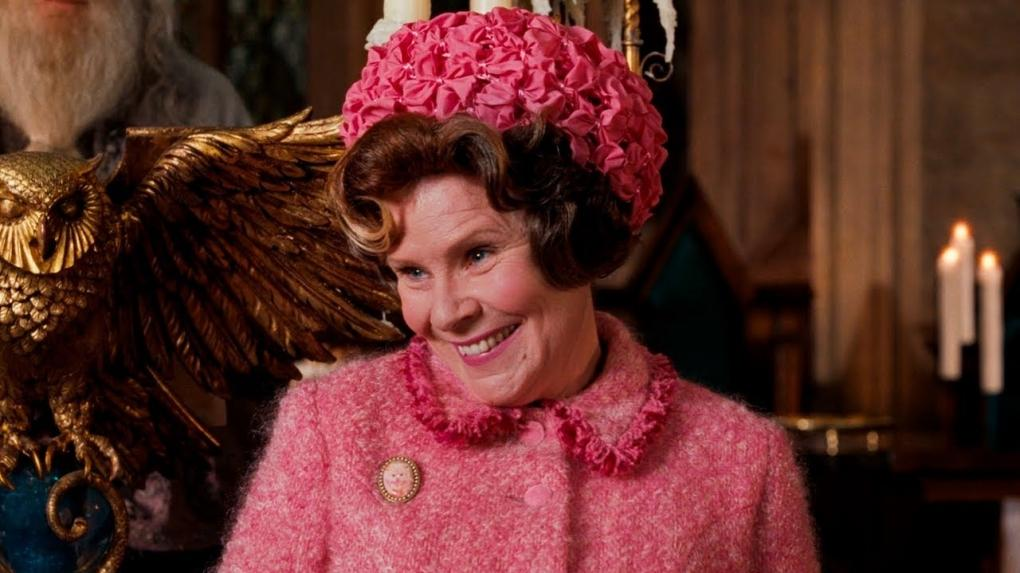 Dolores Ombrage dans le film Harry Potter et l'Ordre du Phénix (Imelda Staunton)