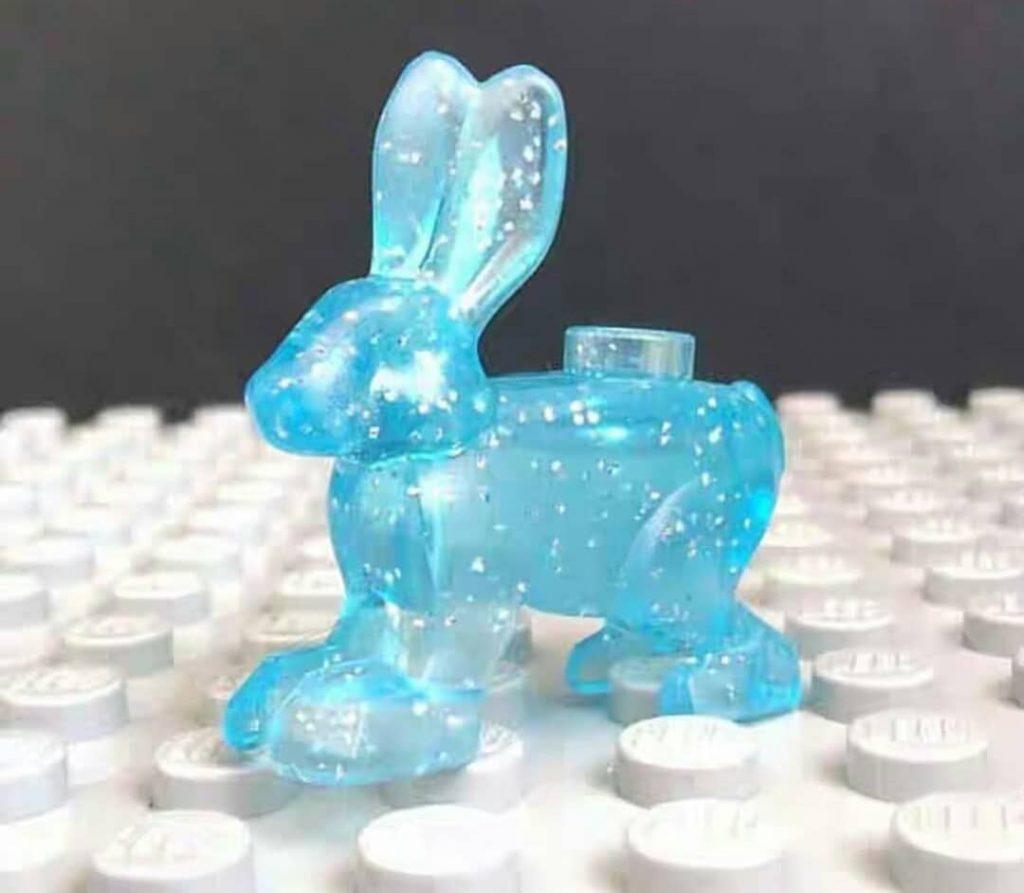 Patronus lièvre de Luna Lovegood en LEGO.
