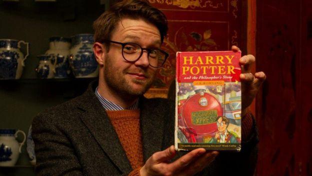 Une première édition d'Harry Potter trouvée dans une poubelle