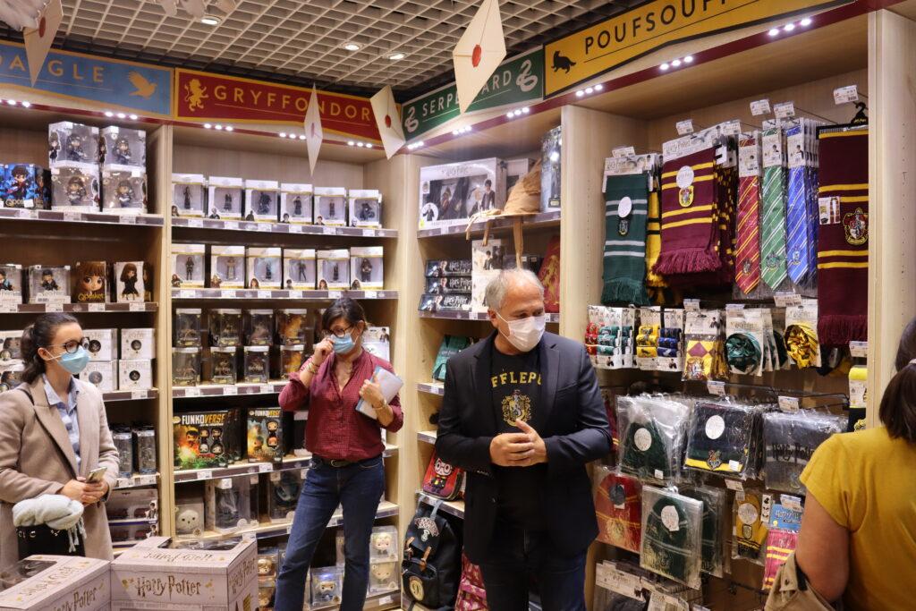 intérieur boutiques Harry Potter Paris Jouéclub