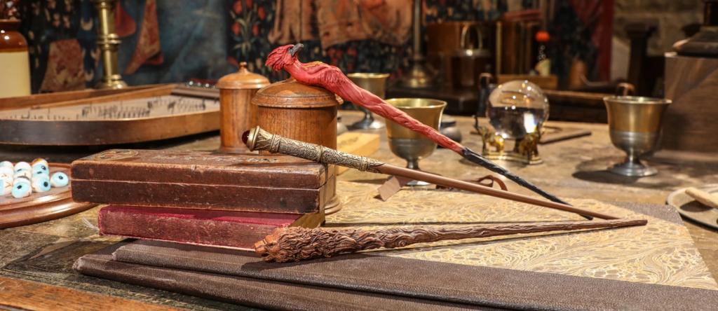 Les baguettes Harry Potter inédites dévoilées par le Warner Bros Studio Tour London et le Wizarding World Shop New York