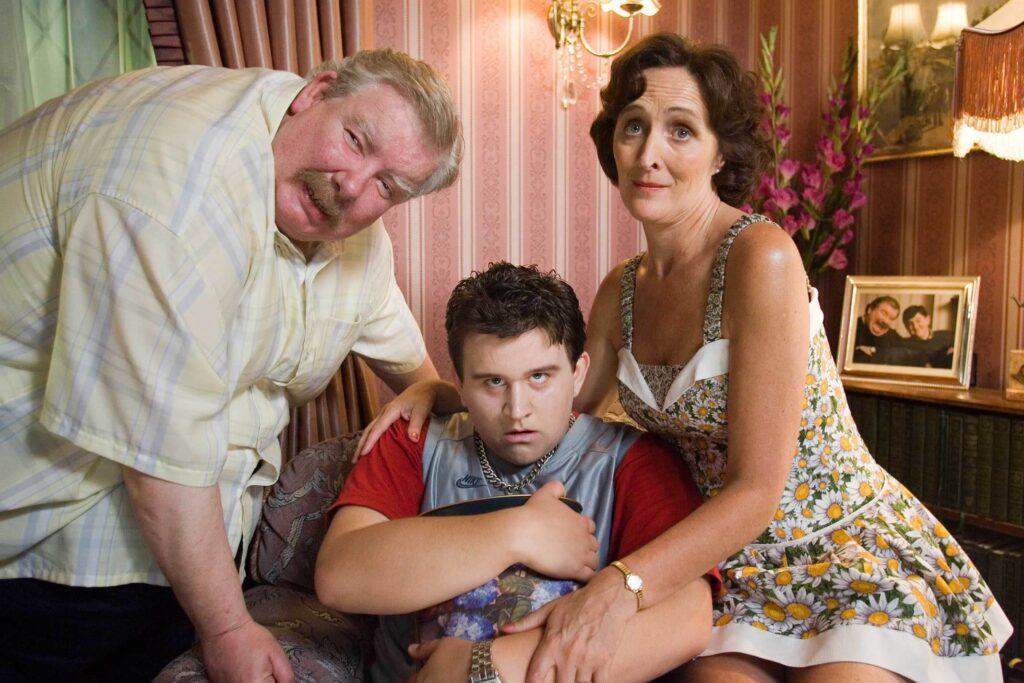 Vernon, Pétunia et Dudley Dursley dans leur salon (Harry Potter et l'Ordre du Phénix)