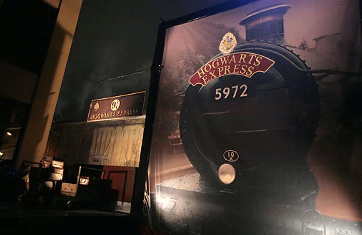 Le Poudlard Express la soirée de gala pour le film Harry Potter et l'Ordre du Phénix