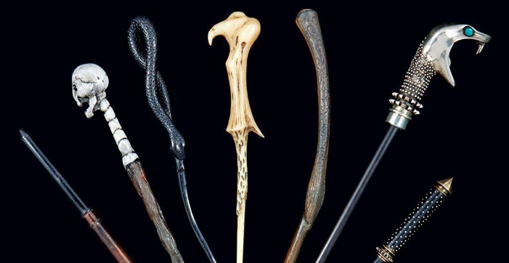Les baguettes des mangemorts dans Harry Potter : Le traité des baguettes, chez Huginn & Muninn