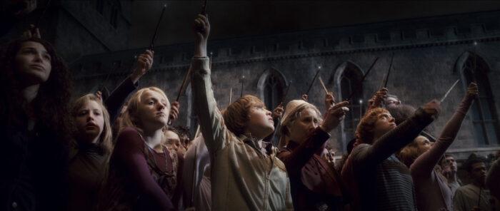 Evanna Lynch – son salaire en échange de l'enterrement de Dumbledore