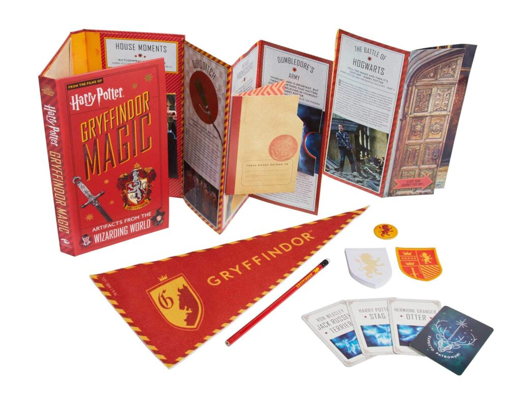 Aperçu de Harry Potter Gryffindor Magic artefact book