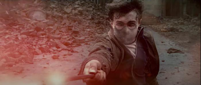 Harry Potter porte un masque dans une campagne contre le Covid-19
