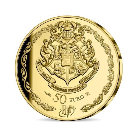 Pièce collector Harry Potter en or 50€ frappée par la monnaie de Paris pour les 20 ans de la saga Harry Potter : dos, blason de Poudlard