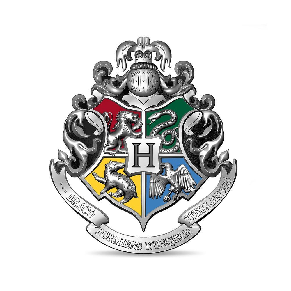 Pins en argent du blason de poudlard frappé par la monnaie de Paris pour les 20 ans de la saga Harry Potter