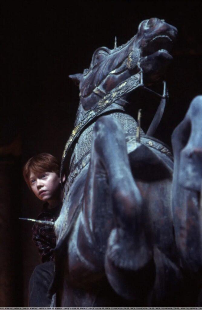 Ron Weasley sur le cavalier de l'échiquier géant