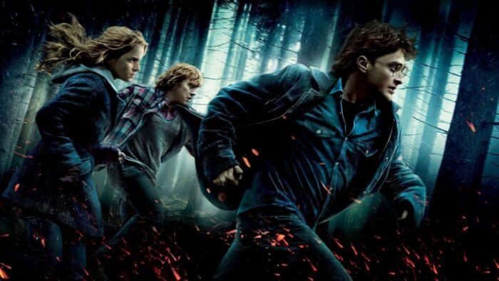 Deux accessoires de Harry Potter et les reliques de la mort aux enchères