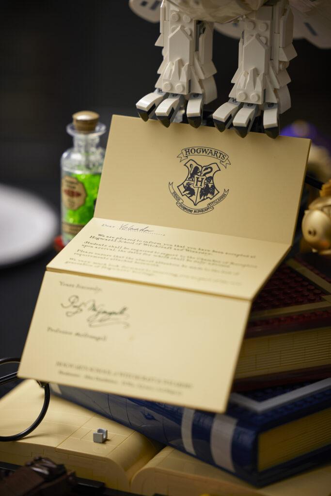 La lettre de Poudlard du set LEGO Harry Potter - Hogwarts Icons Collector's Edition