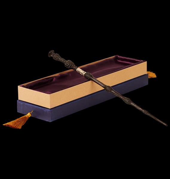 Baguette en bois de Dumbledore présente sur la boutique officielle de la Warner.
